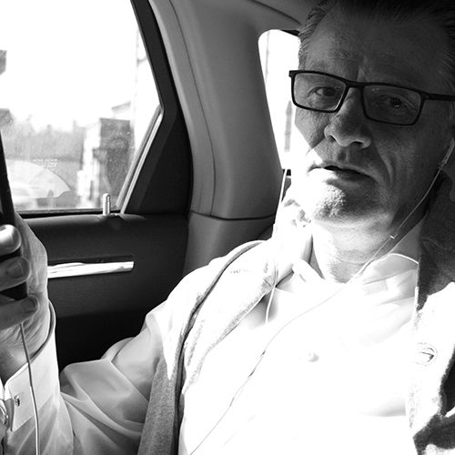 Tom im Auto