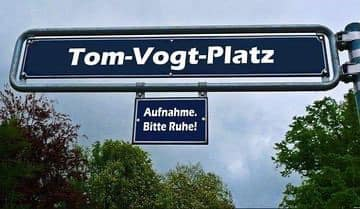 ++Eilmeldung++ Einweihung von Tom-Vogt-Platz in Bielefeld