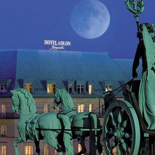 Hotel Adlon Quadriga Kachel