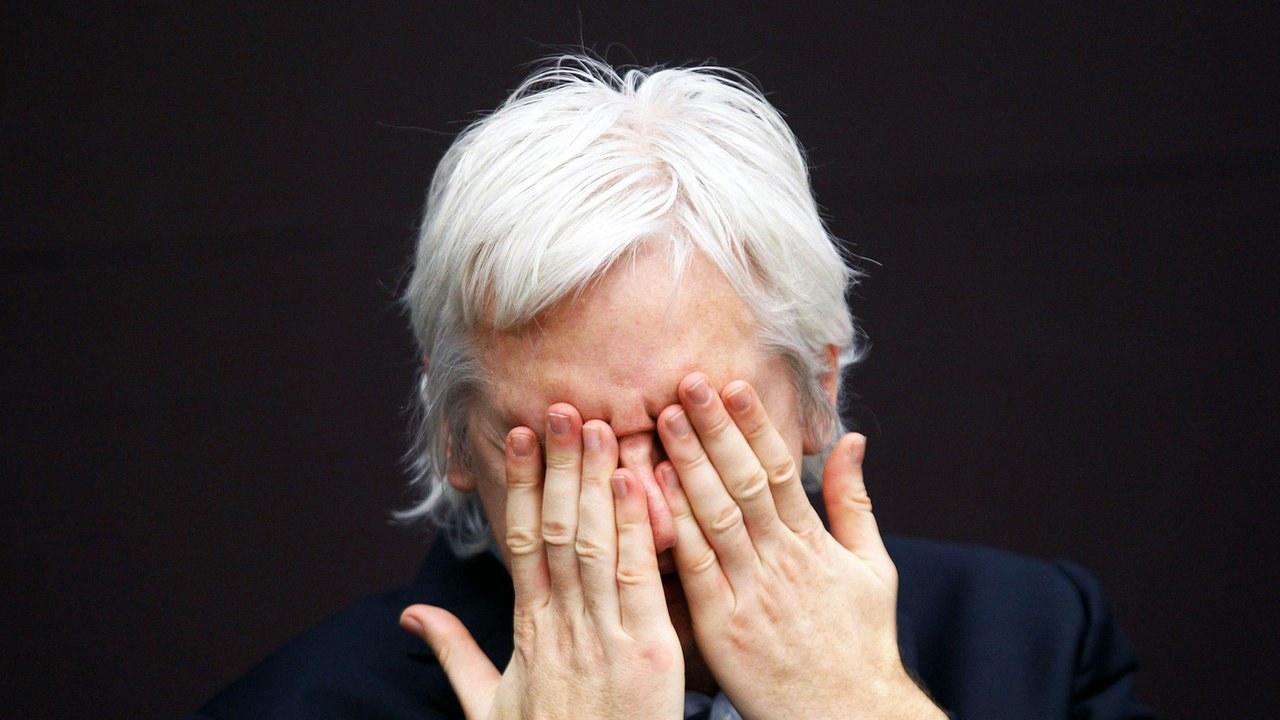 Tom spricht O-Töne von Assanges Anwalt Baltasar Garzón in Doku-Update